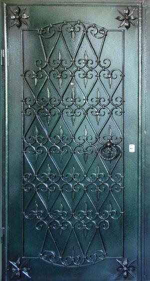 металлические двери с элементами ковки с порошковым покрытием