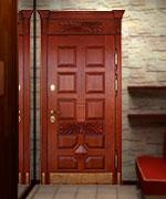входные элитные двери в загородный дом
